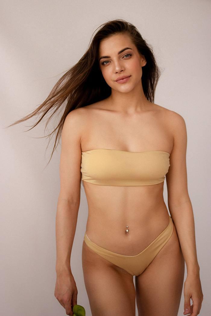 Раздельный купальник бандо с чашечками Perfect Female Bando Золотой 152SW-21BR-Go